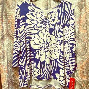 BRAND NEW 3/4 sleeve blue flower print blouse